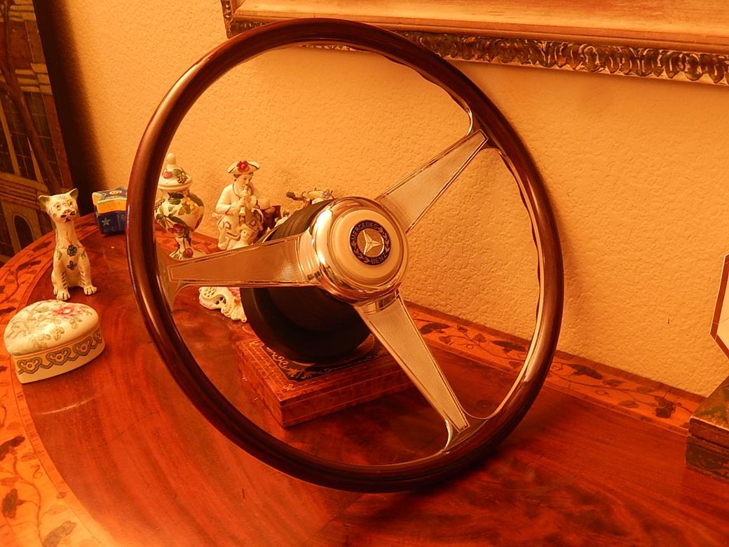 192 Mercedes Steering Wheel