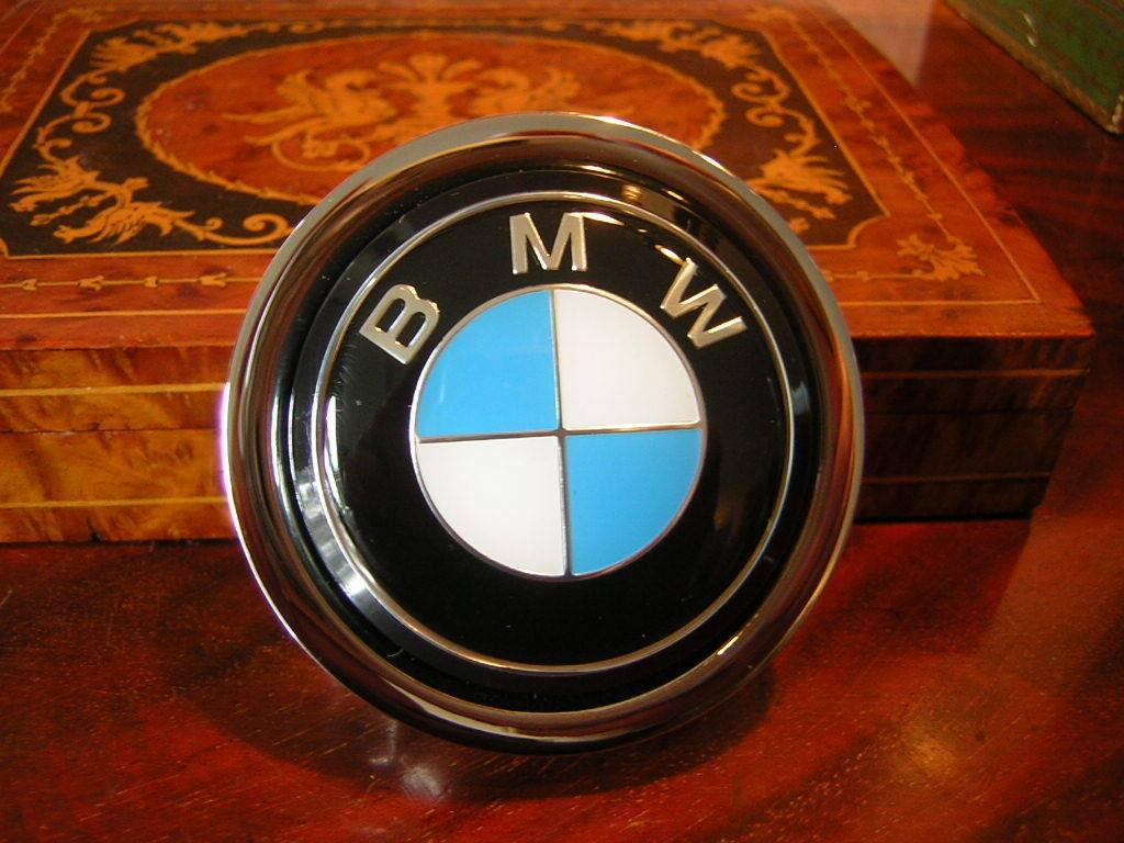 40 bmw horn button sold. Black Bedroom Furniture Sets. Home Design Ideas