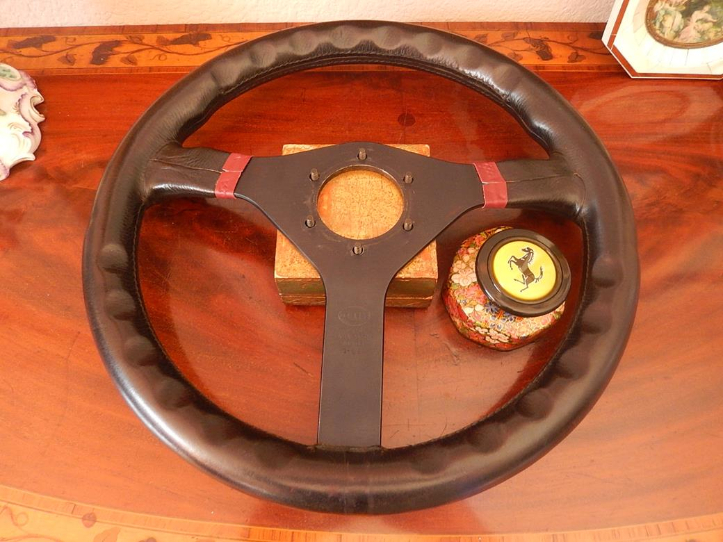ferrari 328 gts 328 gtb momo steering wheel original 1988 ferrari ebay. Black Bedroom Furniture Sets. Home Design Ideas