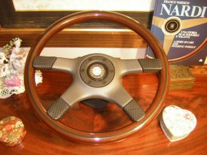 Original Nardi Wood Steering Wheel with Original Hub for Mercedes Benz W107 560 SL from 1986 to 1989