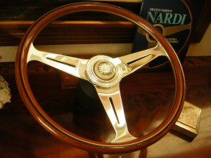 Mercedes 280 SL – 280 SE 3.5 – 6.3 fits Nardi Wood Steering Wheel