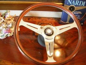 Original Nardi Wooden Steering Wheel for Mercedes Benz W107 450SL 560SL from 1980 to 1989
